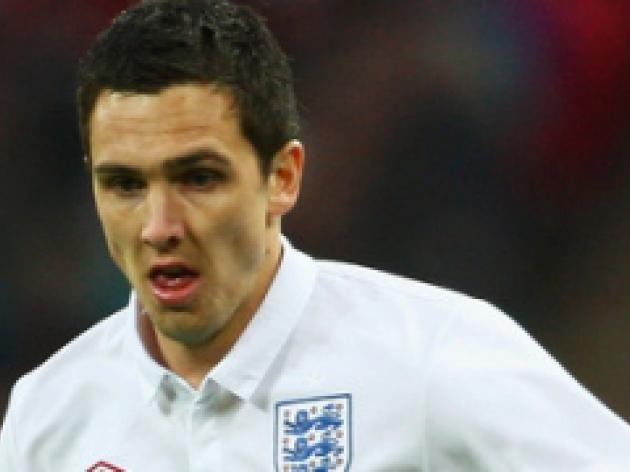 Downing replaces Lennon for England