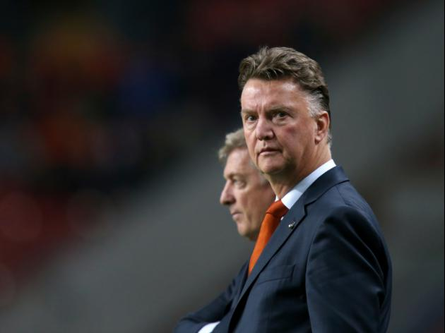 Van Gaal seeks World Cup with one eye on future