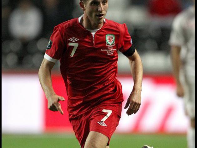 Allen lauds Wales' star duo