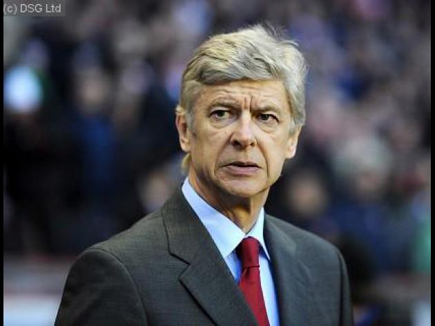 Wenger in favour of spending controls