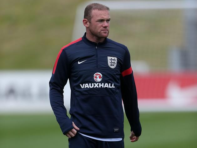 Rooney starts for England