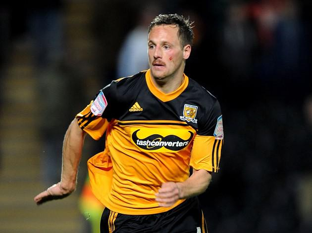 Sunderland's David Meyler in talks with Hull