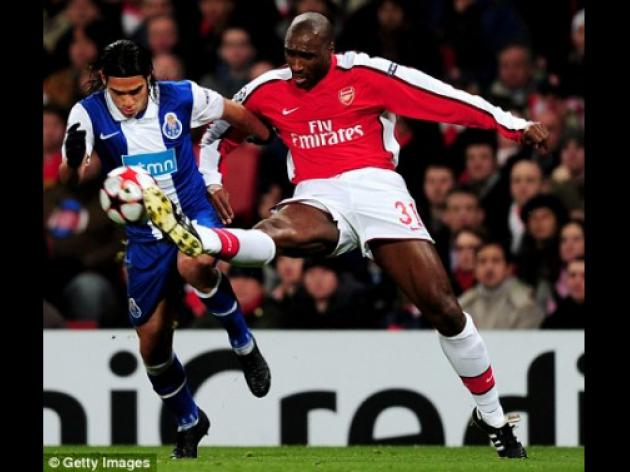 Arsenal star Campbell ready for shock England recall to fix Capello's crisis