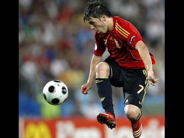 Chelsea's 40m Villa: Abramovich to raid cash-strapped Valencia for Spain star