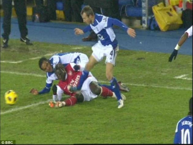 Lee Bowyer faces FA probe over stamp on Bacary Sagna