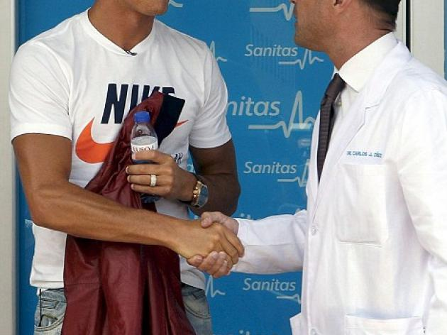 Ronaldo flies through medical at Real to put final seal on record 80m move
