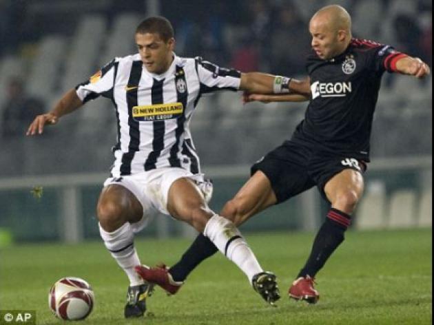 Juventus want Arsenal star Van Persie in exchange for Brazil hard man Melo