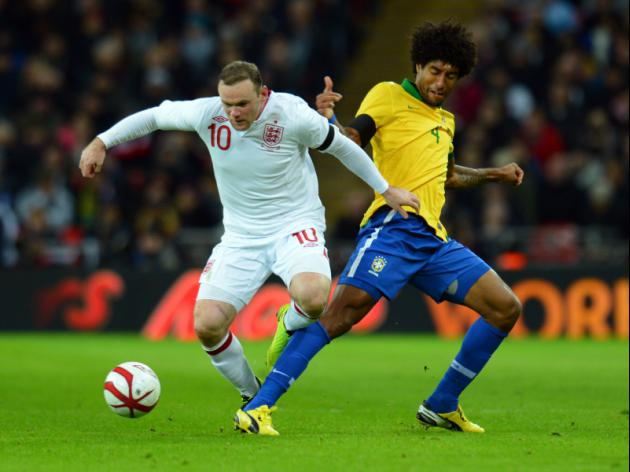 Bayern's Dante wary of struggling Rooney