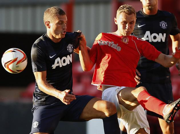 Vidic returns for United victory