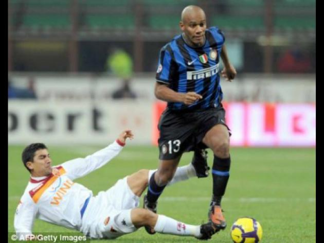 Maicon braced for Man City raid as Mancini lines up bid for Inter Milan ace