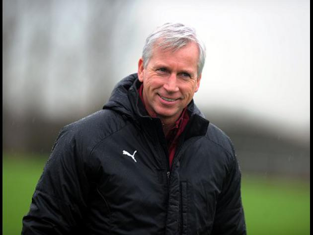 We're reviewing transfer policy - Pardew
