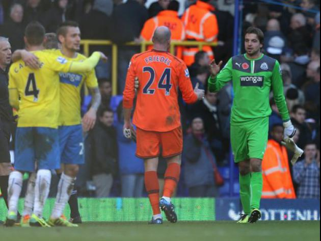 Tottenham shot stopper Friedel applauds Krul performance