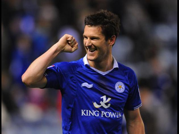 Football: Leicester sign striker Nugent
