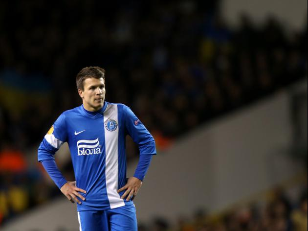 Manchester United set to go head-to-head with arch rivals Liverpool for Konoplyanka signature