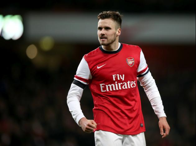 Hull make 3m bid for Carl Jenkinson but Arsenal are holding out for 5m for defender