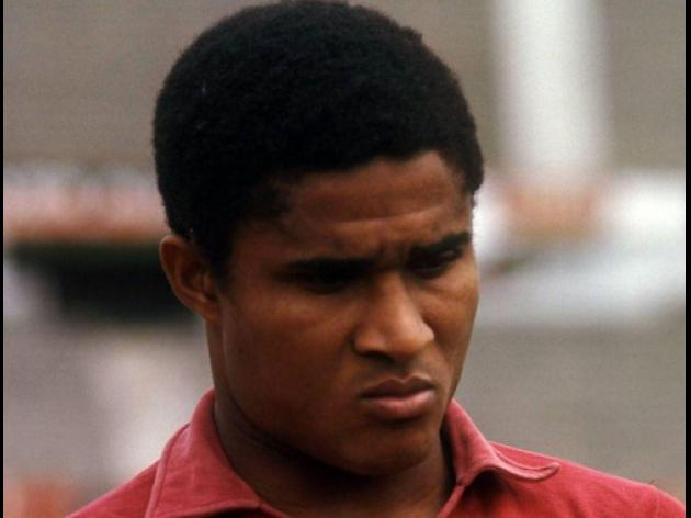 Eusebio hospitalised with pneumonia