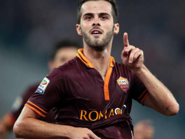 Pjanic double as perfect Roma hand Napoli first defeat