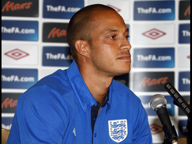 Fulham striker Zamora out for five months