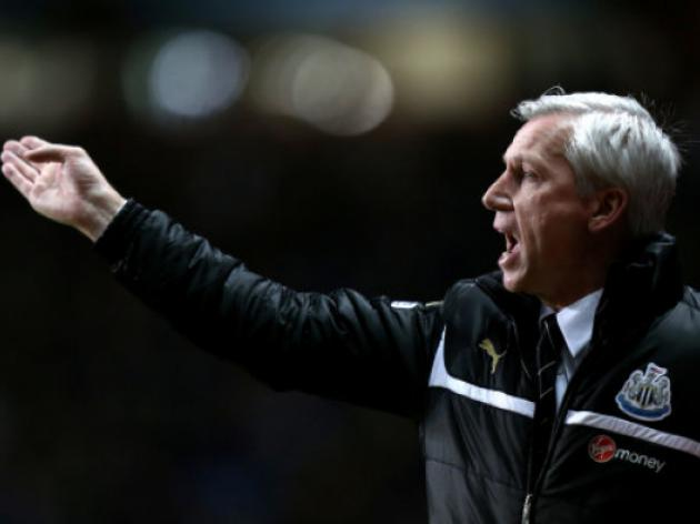 Newcastle V Liverpool At St James' Park : LIVE