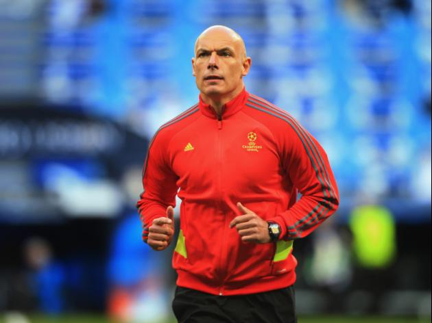Howard Webb hits back at claims he was biased towards Manchester United