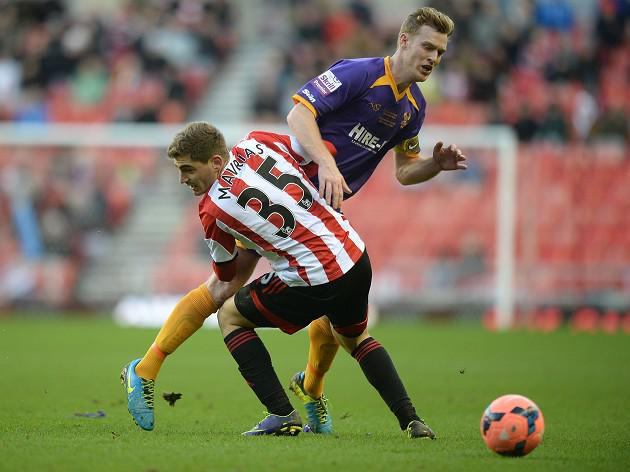 Mavrias strike sees Sunderland through