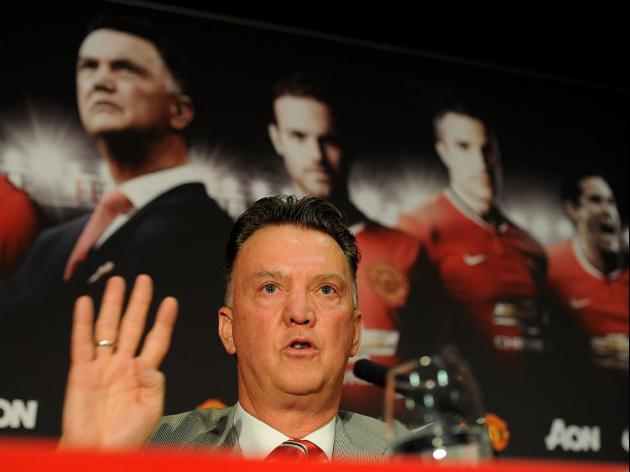 Van Gaal hails United performance