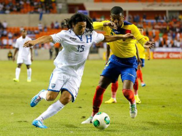 Ecuador deny Honduras with late Valencia goal