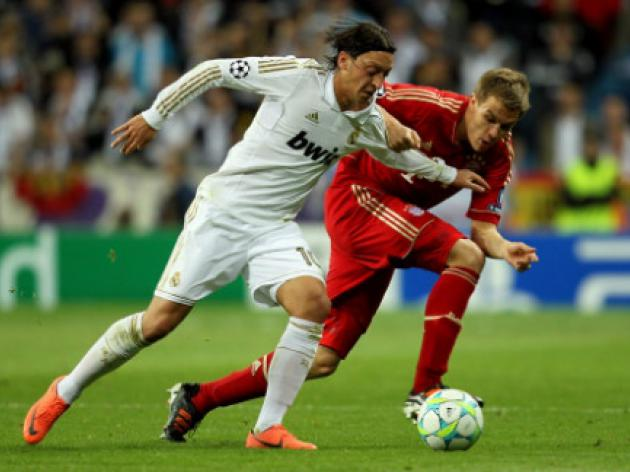 Manchester United in for Real Madrid midfielder Mesut Ozil