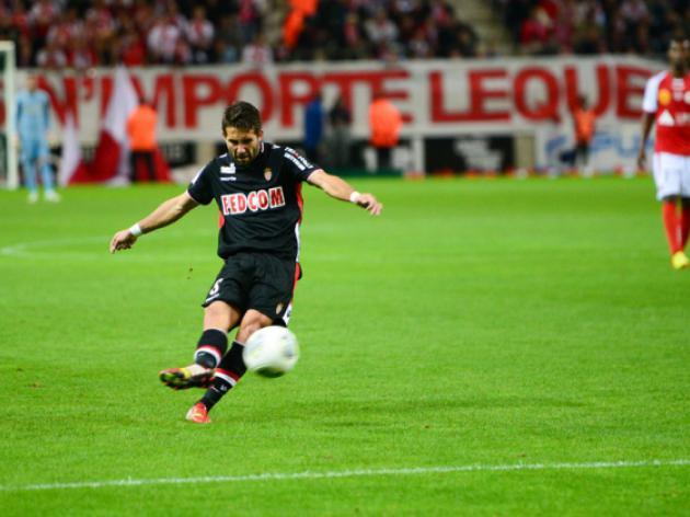 Monaco go top despite being held at Reims