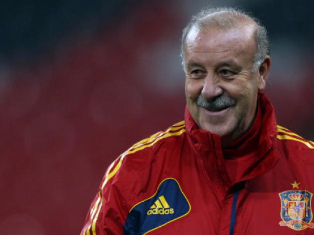 Del Bosque signs Spain contract extension until 2016