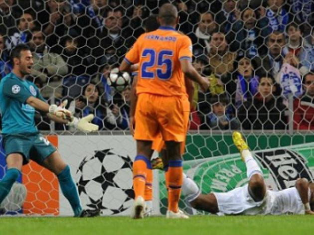 Porto 0 Chelsea 1: Anelka adds a gloss finish to a dull night