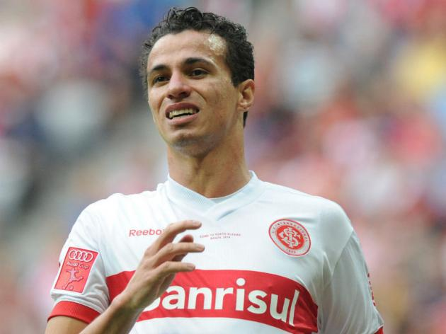 Leandro Damiao's agent fails to rule out Tottenham move for his client