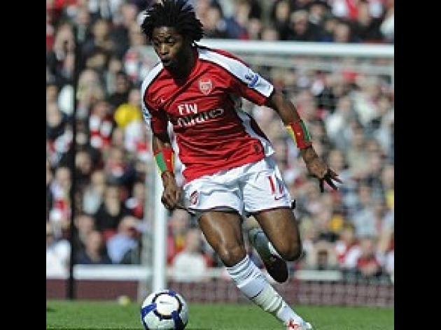 Alex Song's groin injury gives Arsenal another worry for Barcelona return match