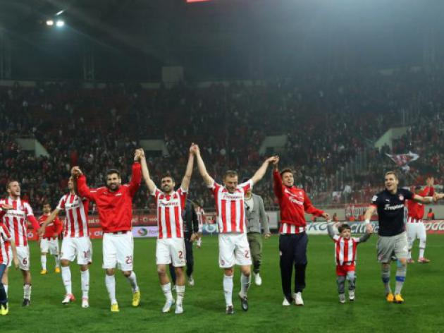 The end of a season and the unlicensed clubs of the Greek Super League