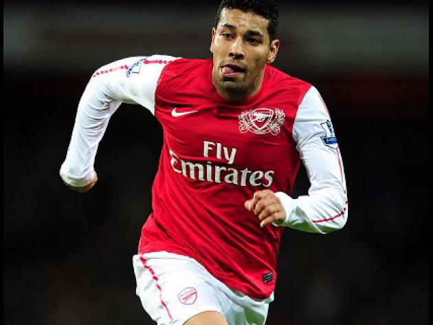 Santos blow for Arsenal