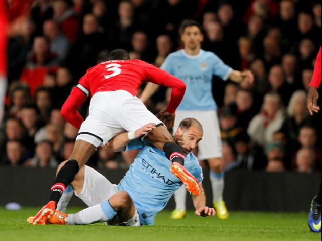 Zabaleta critical of Welbeck tackle