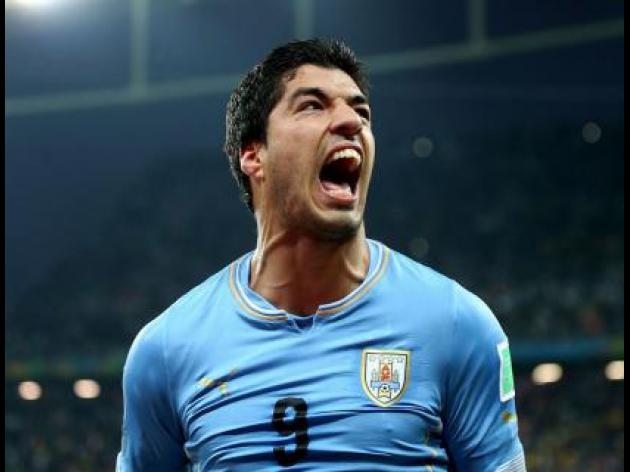 Suarez unveiling blocked by FIFA