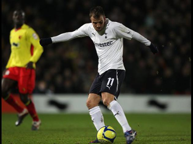 Van der Vaart hits Spurs winner