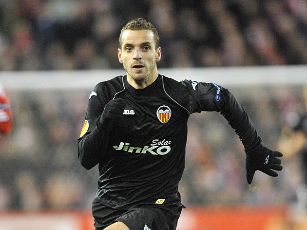 Valencia stand firm on Soldado amid Spurs interest