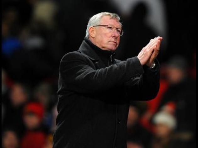 Sir Alex Ferguson steps up Manchester United treble quest