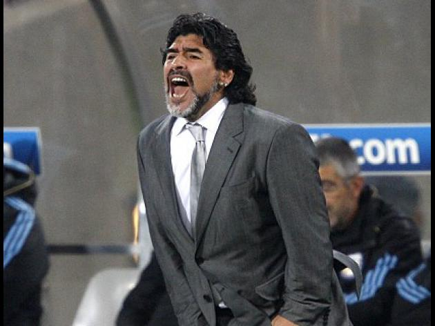 Maradona back to training Wednesday