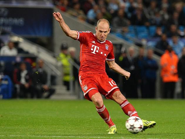 Bayern rout Frankfurt to stay 13-points clear