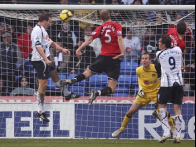Davies dismayed by referee decision