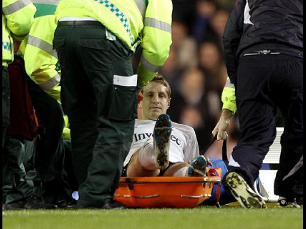 Tottenham defender Dawson out for the season