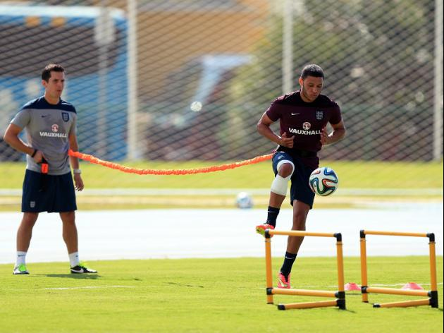 Oxlade-Chamberlain steps up rehab