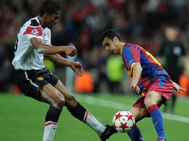 Antonio Valencia Manchester United deal hits snag