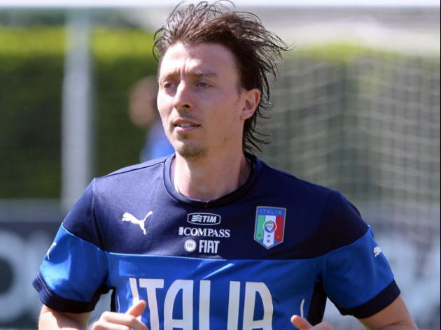 Montolivo backs Prandelli to get Italy on track
