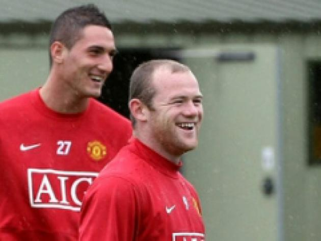Macheda respects 'coatto' Rooney