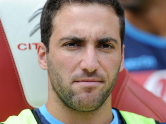 Higuain happy at Napoli