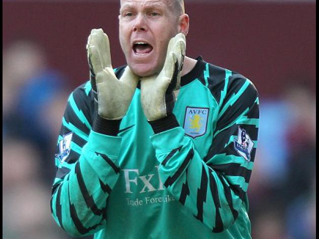 Spurs move for Friedel